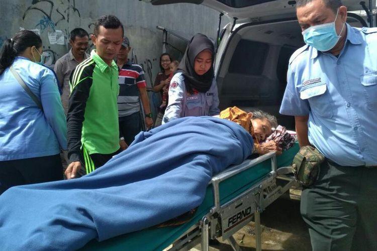 Enung, lansia sebatangkara yang terlantar kini ditangani Dinas Sosial DKI Jakarta.