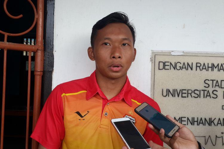 Kiper Bhayangkara FC, Awan Setho Raharjo, seusai latihan di Lapangan UMM, Kota Malang, pada Senin (22/1/2018).