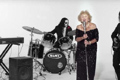 Di Usia 96 Tahun, Nenek Ini adalah Vokalis Band Death Metal