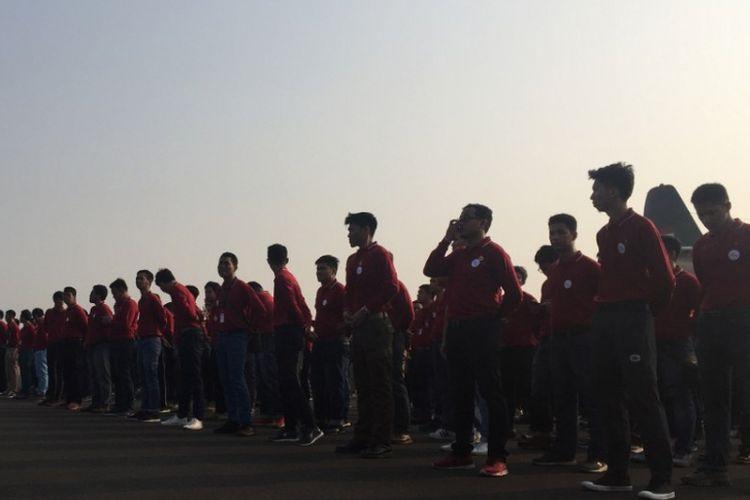 Para insinyur muda Kementerian PUPR yang akan dikirim ke Lombok, NTB untuk membantu penanganan pasca bencana.