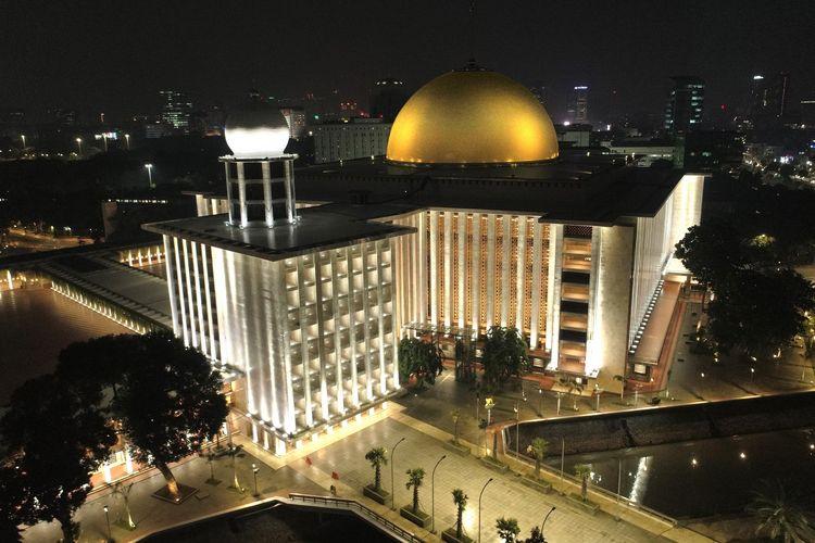 Pencahayaan Masjid Istiqlal.