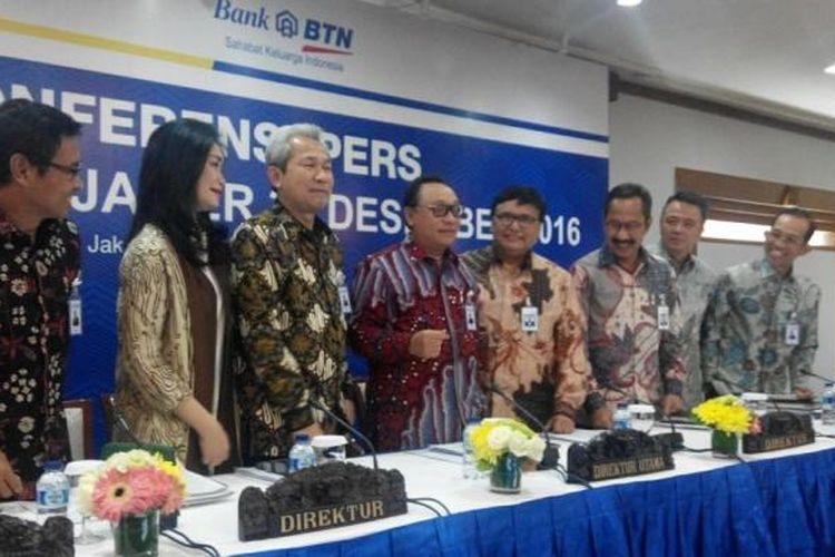 Direksi PT Bank Tabungan Negara (Persero) Tbk pada acara paparan kinerja keuangan tahun 2016 di Menara BTN, Senin (13/2/2017).