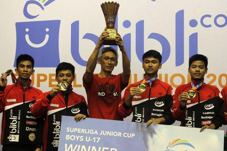 Tim putra PB Djarum Kudus U-17 berhasil menjadi juara pada Blibli.com Superliga Junior 2017 yang diselenggarakan di GOR Djarum, Magelang, Sabtu (9/12/2017) malam.