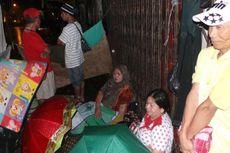 Pengungsi di Kampung Pulo Butuh Tenda