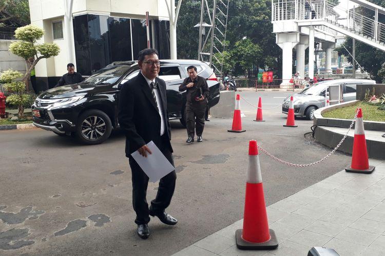Dua anggota Komisi Pengawas Peradi mendatangi kantor Komisi Pemberantasan Korupsi (KPK), Rabu (17/1/2018).