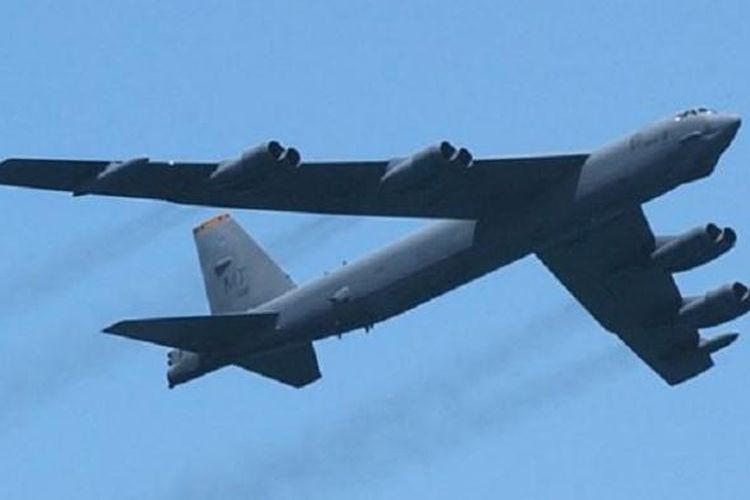 Militer AS menerbangkan dua pesawat pembom B-52 di ata wilayah sengketa Laut China selatan tanpa memberitahu China, Senin 25/11.