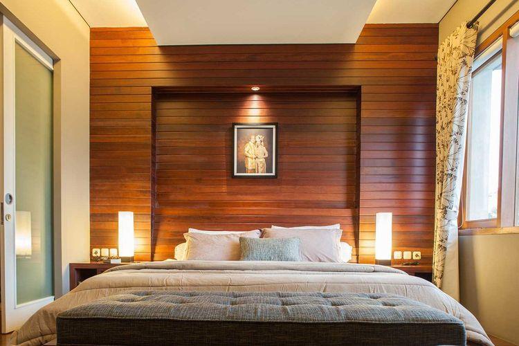 7 Desain Dinding Kayu untuk Kamar Tidur Elegan Halaman all ...