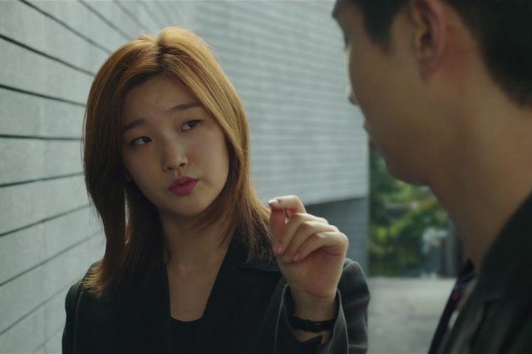 Salah satu cuplikan adegan dalam film Parasite (2019) karya sutradara asal Korea Selatan, Bong Joon Ho.