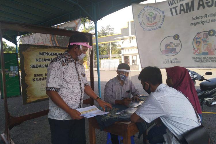 Pendaftaran siswa baru di SMKN 1 Bawen