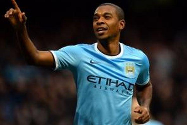 Gelandang Manchester City, Fernandinho.