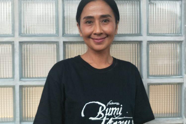 Ayu Laksmi saat ditemui usai pembukaan pameran Jejak Langkah Toer di RBOJ Coffee, Jakarta Selatan, Senin (5/8/2019).