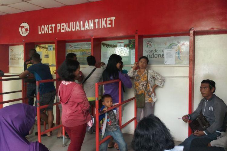 Tiket Kapal Pelni rute Batam-Belawan untuk tanggal 19, 21, 23 dan 29 Desember 2018 untuk yang seat sudah full. Tidak saja yang seat, bahkan untuk yang non seat saat ini juga sudah terjual hingga 80 persen.