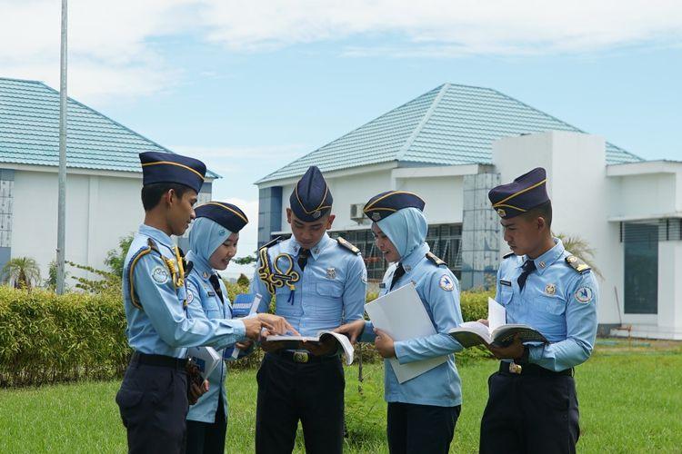 Para taruna di satuan pendidikan Kementerian Kelautan dan Perikanan (Kementerian KP).