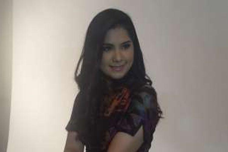 Annisa Pohan berpose di Studio Kolbano, Tebet, Jakarta Selatan, pada Kamis (29/12/2016).