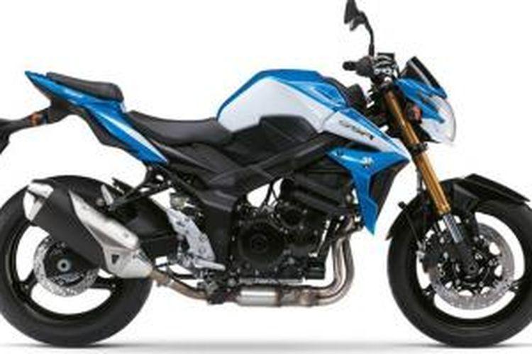 Suzuki GSR750 edisi spesial dengan warna baru.