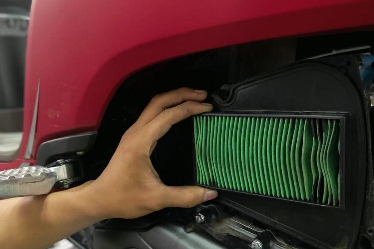 Filter udara pada sepeda motor
