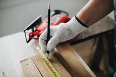 Apa Saja Profesi yang Terlibat agar Meja dan Kursi sampai di Rumah?