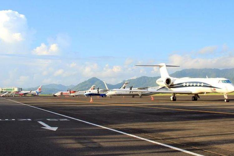 Bandara Sam Ratulangi Manado.
