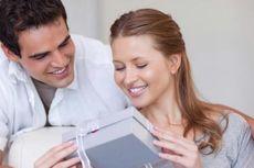 Survei Online Ungkap Nilai Kado untuk Kekasih di Hari Valentine