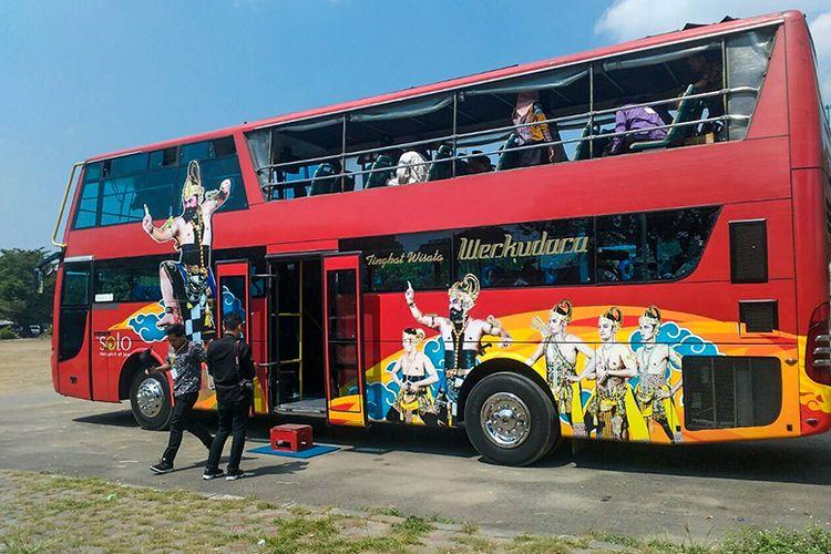 Bus tingkat Werkudara yang akan membawa wisatawan berjalan-jalan keliling Kota Solo.