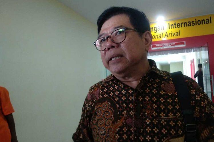 Kepala Dinas Kesehatan Provinsi Kepulauan Riau (Kepri) Tjetjep Yudiyana mengatakan untuk di Kepri sedikitnya ada 11 orang yang dilakukan observasi terkait antisivasi dari penyebaran virus corona tersebut. Namun dari 11 orang yang diobservasi diduga terinfeksi virus corona, setelah dilakukan pemeriksaan 10 orang dinyatakan negatif terinfeksi virus corona.