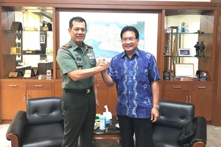 Mayjen TNI Doni Monardo dan Prof Drh Wiku Adisasmito, MSc, Ph.D,