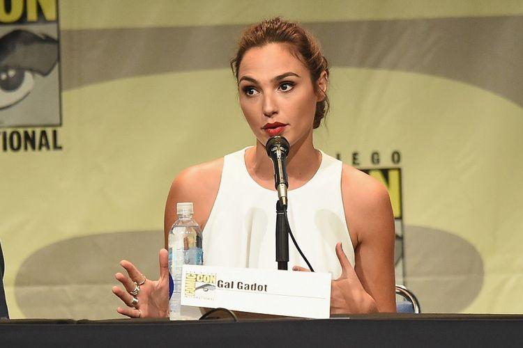 Pemeran karakter Wonder Woman, Gal Gadot.