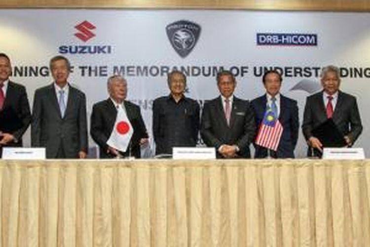 Nota kesepahaman (MoU) dan perjanjian lisensi antara Suzuki Motor Corporation dan DRB-Hicom sebagai pemilik Proton Holdings Bhd, telah ditandatangani pada Senin (15/6/2015). Kesepakatan ini membuka peluang melahirkan kendaraan baru bermerek Proton.