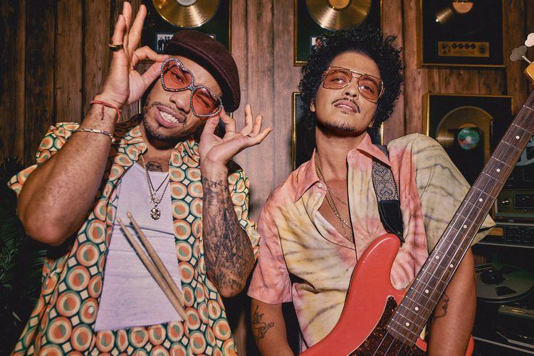 Anderson Paak dan Bruno Mars berkolaborasi menjadi Silk Sonic