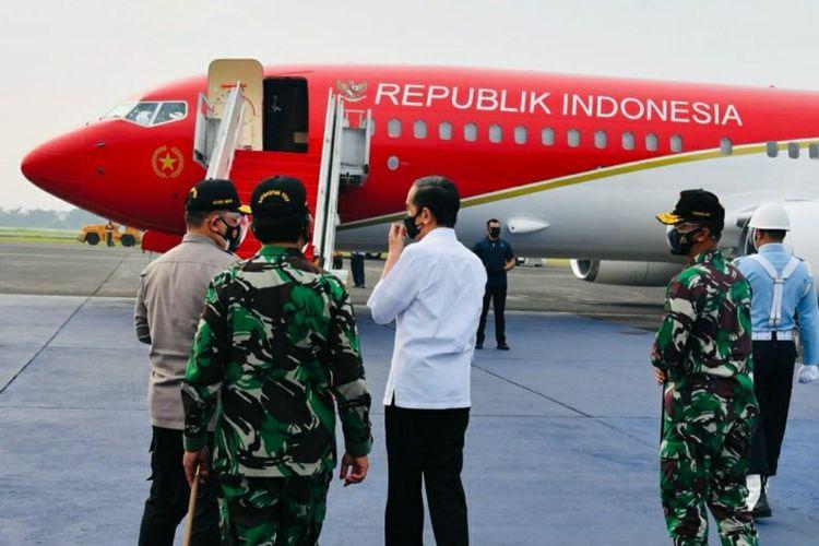 Presiden Joko Widodo saat bertolak menuju Provinsi Jawa Timur (Jatim) guna melakukan kunjungan kerja pada Kamis (19/8/2021).