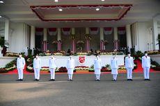 Upacara Penurunan Bendera di Istana, Sylvia Kartika Putri Jadi Pembawa Baki