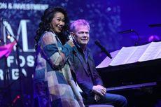 Yura Yunita Paksa David Foster Nyanyikan Lagu Cinta dan Rahasia