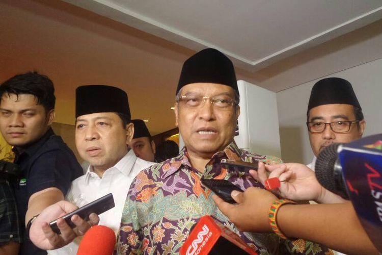 Ketua Umum Pengurus Besar Nahdlatul Ulama (PBNU) Said Aqil Siradj seusai buka bersama di kediaman Ketua Umum Partai Golkar Setya Novanto di Widya Chandra III, Jakarta Selatan, Rabu (7/6/2017).