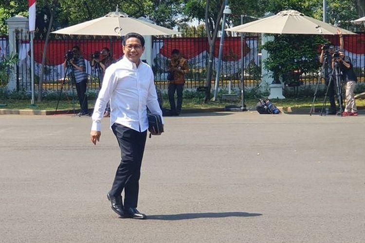 Abdul Halim Iskandar, kakak Ketua Umum Partai Kebangkitan Bangsa Muhaimin Iskandar, menyambangi Istana Kepresidenan, Jakarta, Selasa (22/10/2019). (KOMPAS.com/Ihsanuddin)