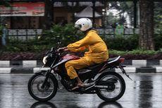 Mulai Sering Hujan, Jangan Lupa Sedia Jas Hujan
