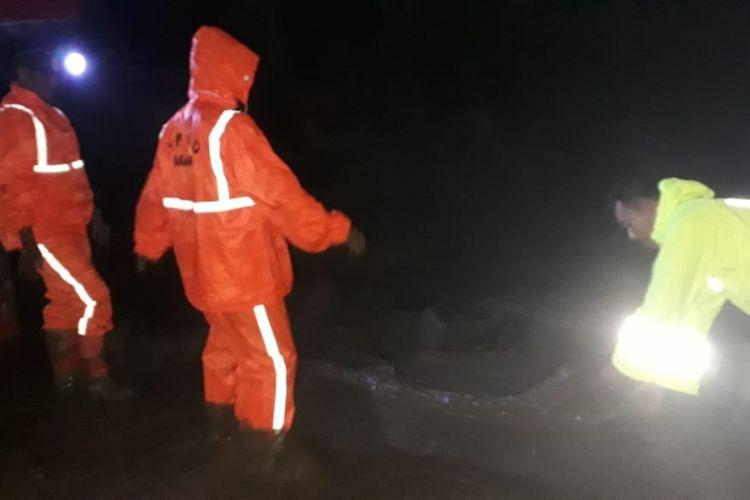 Akibat hujan deras di Tanjung Raya, Agam menyebabkan banjir dan longsor serta satu orang tewas, Rabu (20/11/2019) malam