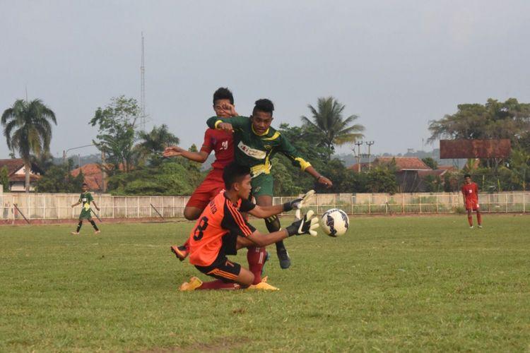 Para pemain ASAD Purwakarta, yakni Yadi Mulyadi, Sukrayatul Fajra, Hamsah Medari Lestaluhu, Ahludz Ziqri, serta Pualam Bahari akan memperkuat timnas Indonesia di ajang AFF U-15 Championship 2017 di Thailand, Juli nanti.