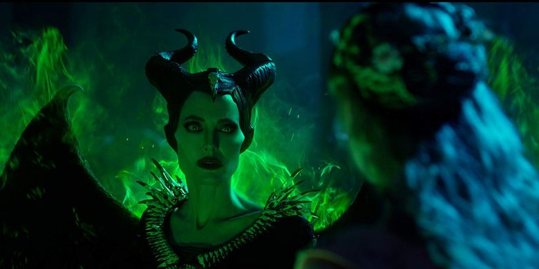 Angelina Jolie dalam film Maleficent: Mistress of Evil.