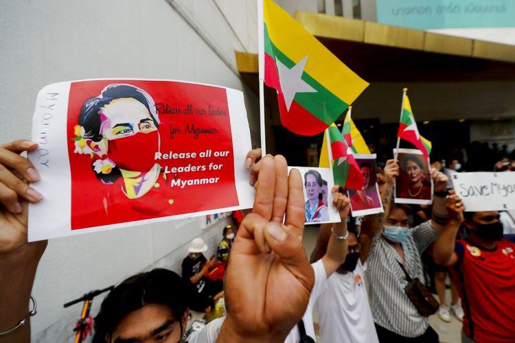 Gerakan ini membantu aktivis mengkoordinasikan protes terhadap kudeta Myanmar di Thailand untuk menunjukkan solidaritas.