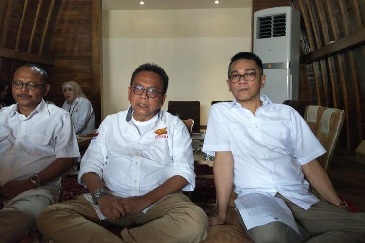Anggota Fraksi Gerindra DPRD DKI Jakarta Syarif, Wakil Ketua DPRD DKI Jakarta dari Gerindra Mohamad Taufik, dan anggota Fraksi Gerindra DPRD DKI Iman Satria di Wisma Garuda, Jakarta Timur, Minggu (29/12/2019).