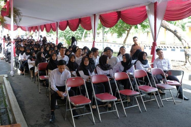 Peserta tes CPNS Pemkot Magelang tahun 2019 di halaman GOR Samapta Kota Magelang, Februari 2019 lalu.