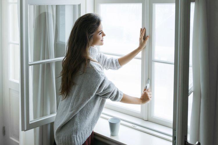 Ilustrasi jendela, membuka jendela.