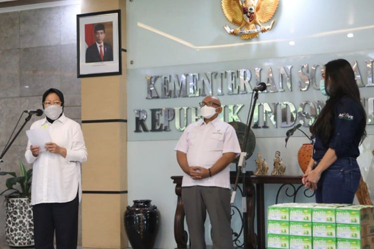 Menteri Sosial Risma Tri Rismaharini menyambut baik dan mengucapkan terima kasih atas bantuan dari Enesis Group.