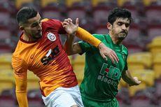 Kena Letusan Kembang Api Saat Tahun Baru, Pemain Galatasaray Terancam Buta