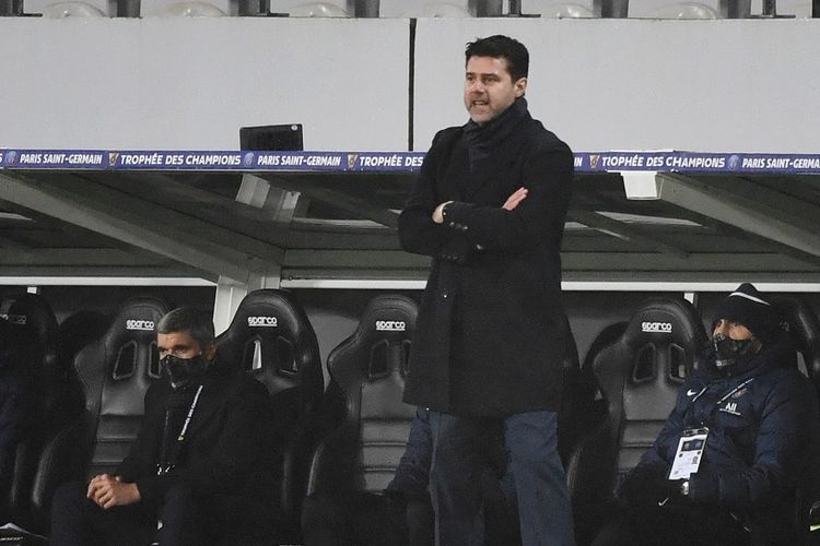 Pelatih Paris Saint-Germain (PSG), Mauricio Pochettino, pada partai puncak Piala Super Perancis kontra Marseille yang berlangsung di Stadion Bollaert-Delelis, Lens, Kamis (14/1/2021) dini hari WIB.