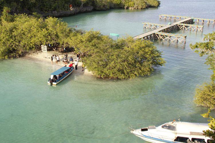 Pulau Baer disebut-sebut sebagai Raja Ampat-nya Kota Tual di Maluku. Foto diambil Sabtu (4/8/2018).