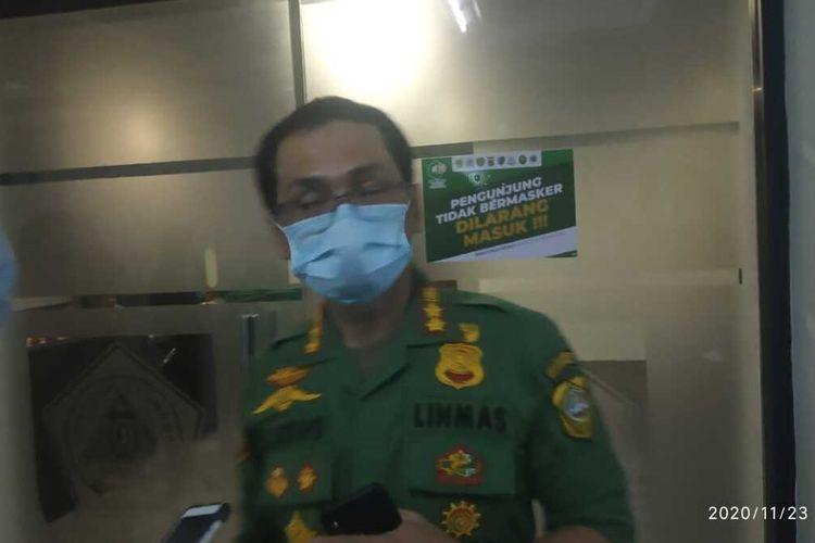 Kepala Satuan Polisi Pamong Praja (Satpol PP) Kabupaten Bogor Agus Ridho memilih tidak berkomentar di hadapan media ketika ditanya mengenai isu kerumunan pada acara pemimpin Front Pembela Islam (FPI), Rizieq Shihab, di Kawasan Puncak Bogor, Jawa Barat.