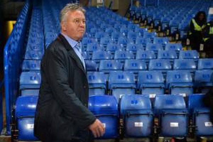 Manajer Chelsea, Guus Hiddink.