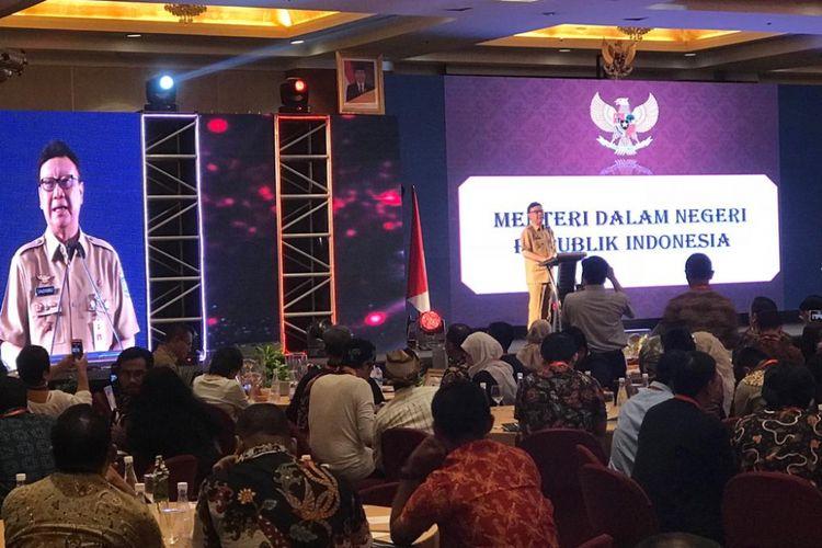 Menteri Dalam Negeri Tjahjo Kumolo dalam acara Forum Koordinasi Nasional Ormas dan Anugerah Ormas Award Tahun 2018, di Hotel Redtop, Gambir, Jakarta Pusat, Selasa (6/11/2018).