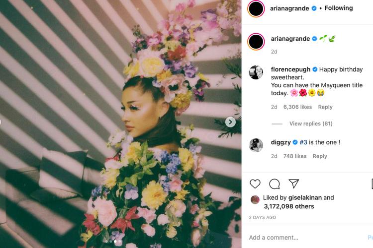 Penyanyi Ariana Grande merayakan ulangtahunnya dengan tema Midsommar.